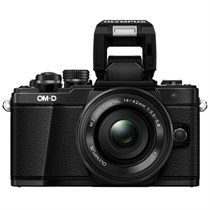 Olympus OM-D E-M10 Mark II with 14-42 mm Lens